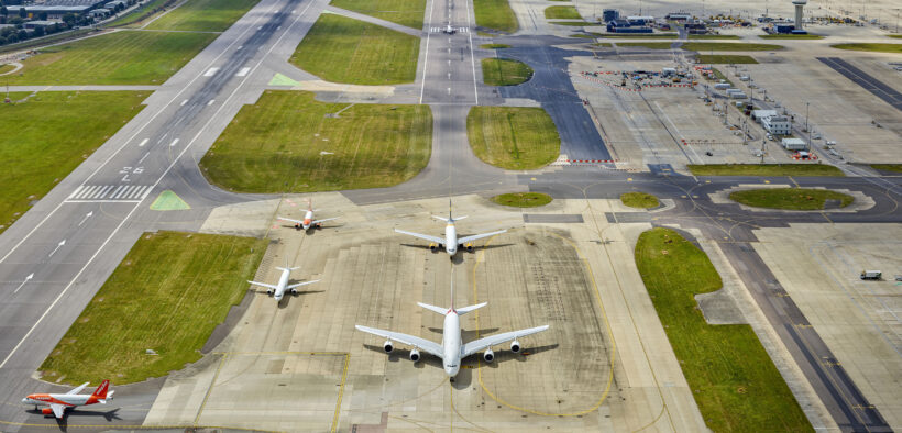 gatwicks-northern-and-main-runways-820x394